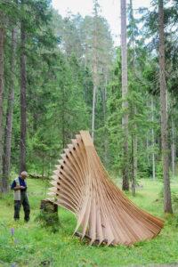 Holzkunst trifft Landart